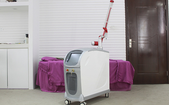 Yag Laser Tattoo Removal Machine 2000mj Energy , Pedal Control 83*32*83cm